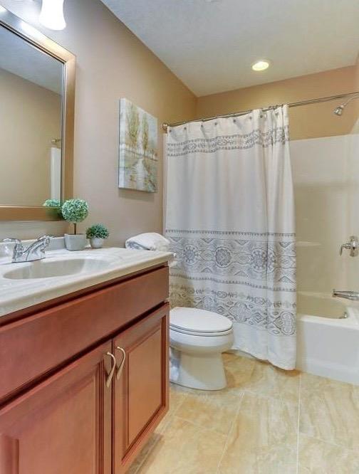 Full Guest Bathroom - Condo Staging - Massachusetts Interior Design